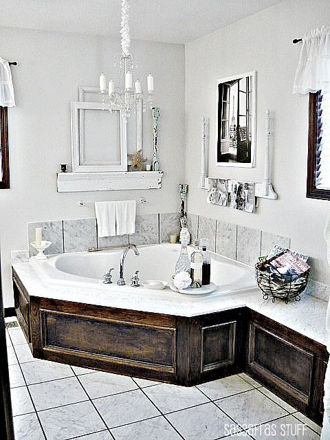 ideas-to-give-your-bathtub-a-new-look-with-creative-siding-20