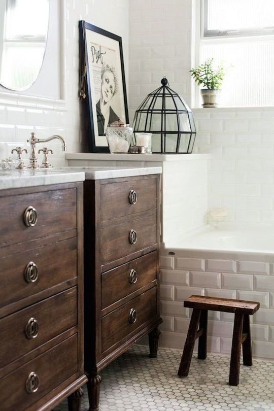 ideas-to-give-your-bathtub-a-new-look-with-creative-siding-3