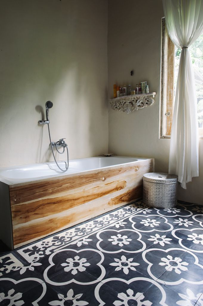 ideas-to-give-your-bathtub-a-new-look-with-creative-siding-4