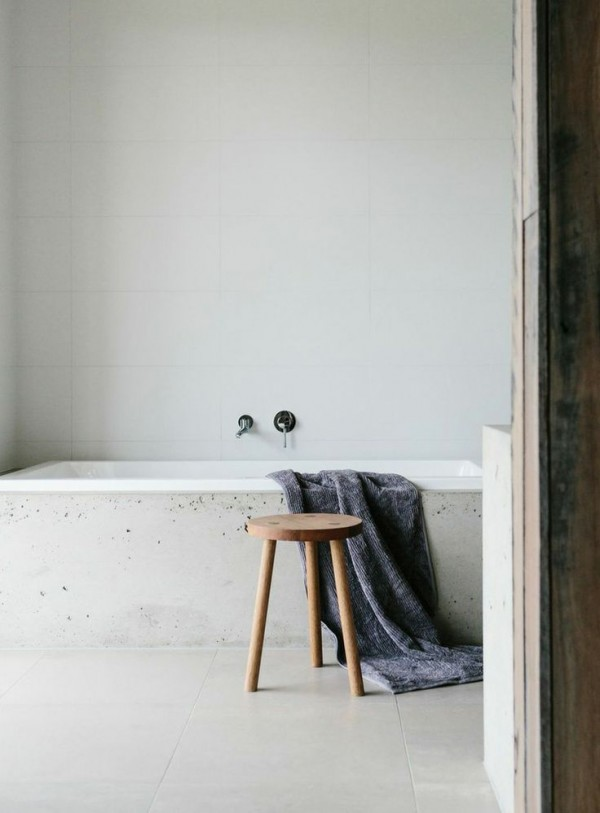 ideas-to-give-your-bathtub-a-new-look-with-creative-siding-7
