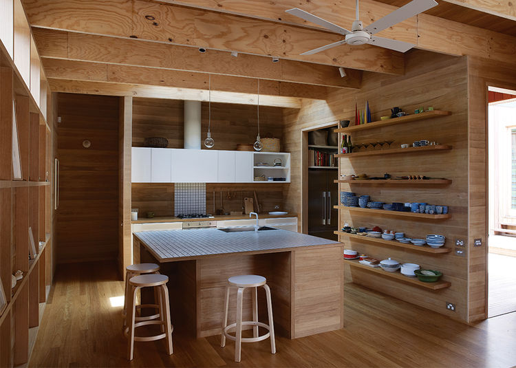 wood-clad-interior-ideas-to-warm-up-in-the-winter-4