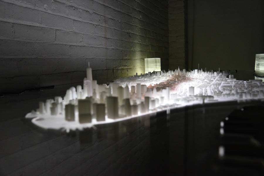 3D-Printed-Illuminated-New-York-City-Desk-5-900x601