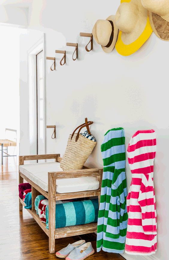 bold-and-fun-westhapmton-beach-playhouse-9