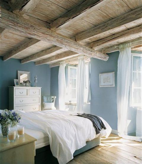 chic-bedroom-designs-with-exposed-wooden-beams-10