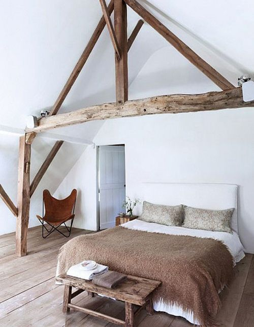 chic-bedroom-designs-with-exposed-wooden-beams-12