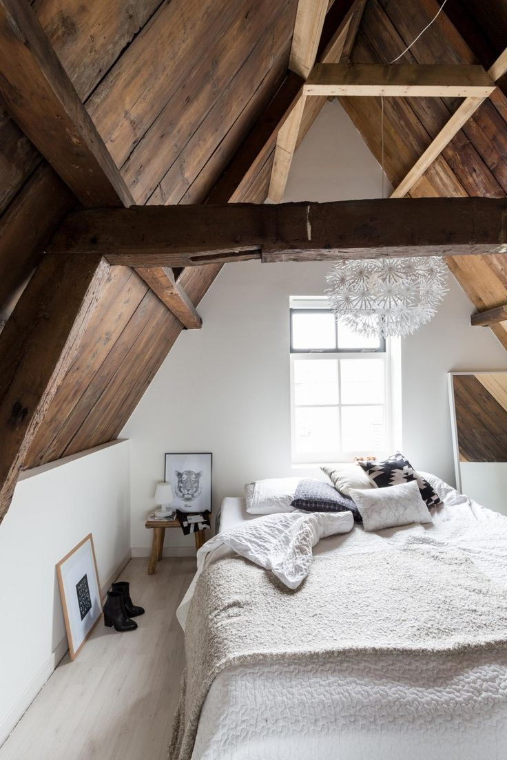 chic-bedroom-designs-with-exposed-wooden-beams-20