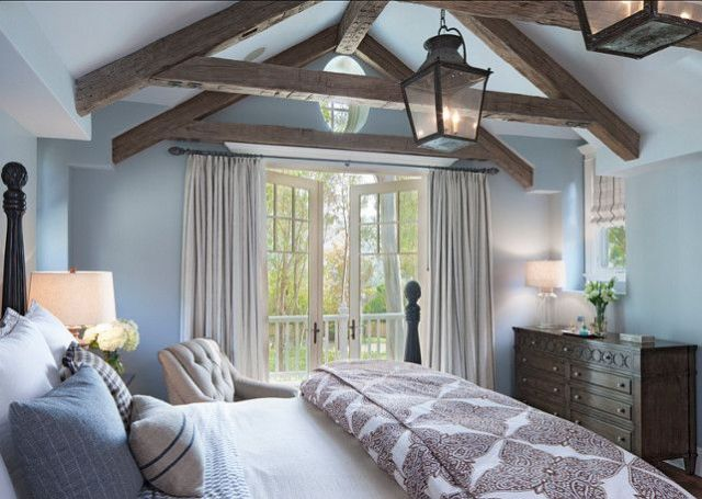 chic-bedroom-designs-with-exposed-wooden-beams-23