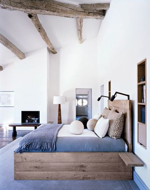 chic-bedroom-designs-with-exposed-wooden-beams-28
