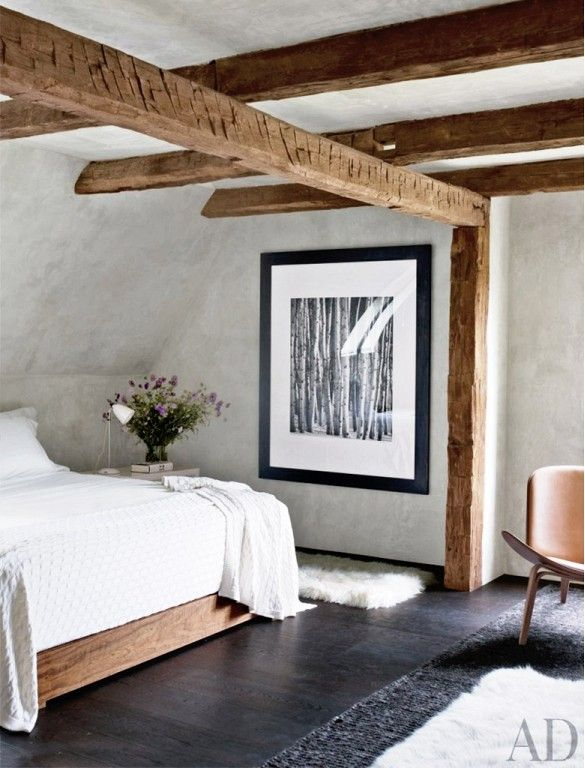 chic-bedroom-designs-with-exposed-wooden-beams-3