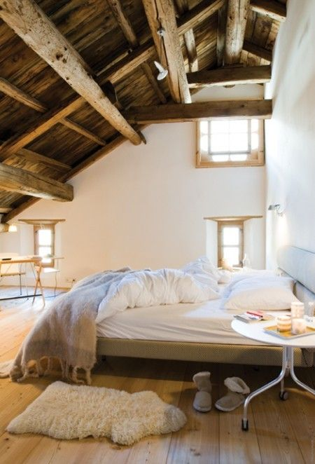 chic-bedroom-designs-with-exposed-wooden-beams-33