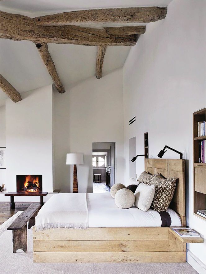 chic-bedroom-designs-with-exposed-wooden-beams-7