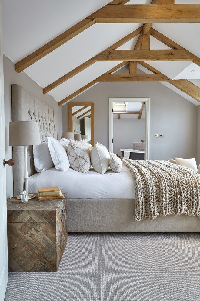 chic-bedroom-designs-with-exposed-wooden-beams-8