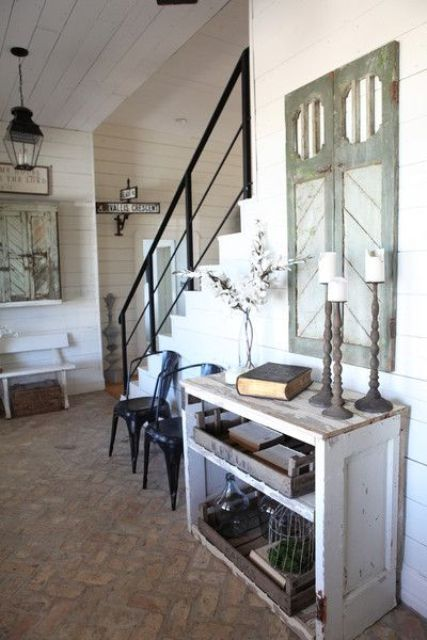 cozy-and-simple-farmhouse-entryway-decor-ideas-1
