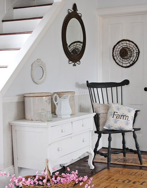 cozy-and-simple-farmhouse-entryway-decor-ideas-19