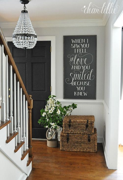 cozy-and-simple-farmhouse-entryway-decor-ideas-2