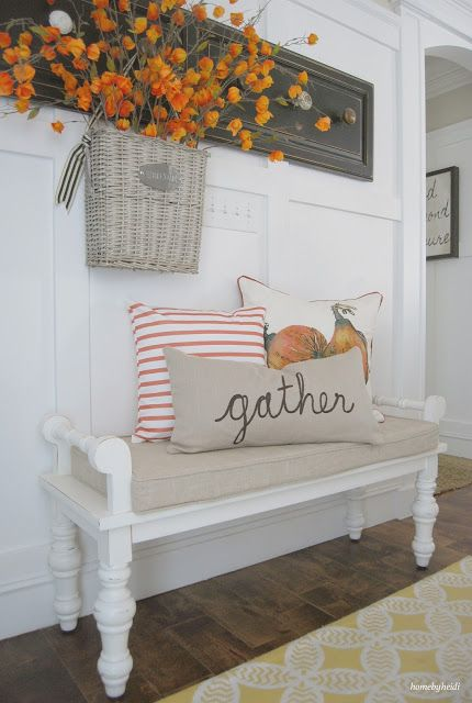 cozy-and-simple-farmhouse-entryway-decor-ideas-4