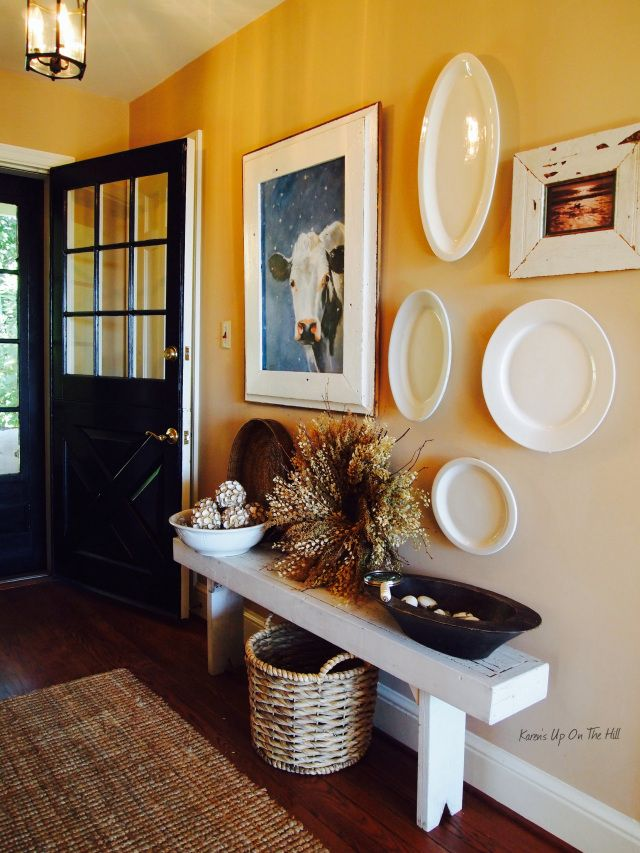 cozy-and-simple-farmhouse-entryway-decor-ideas-6
