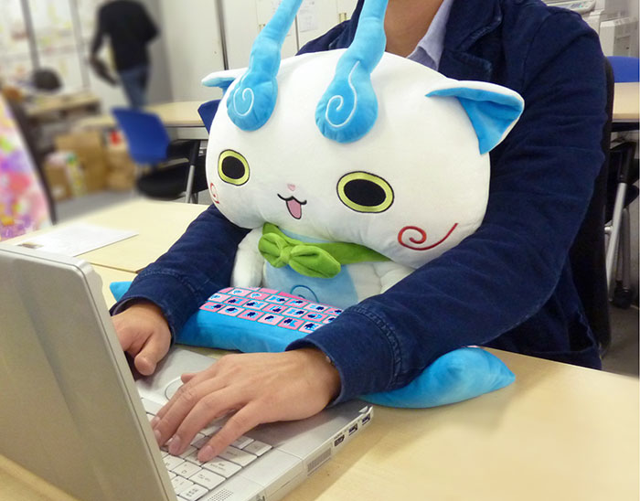 cute-pc-wrist-rest-cushion-japan-10