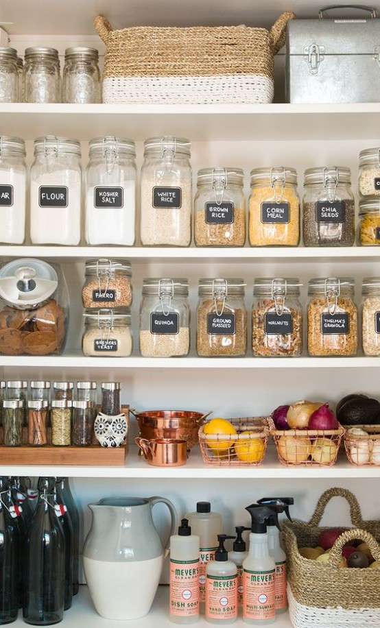 how-to-organize-your-pantry-easy-and-smart-ideas-9-554x916