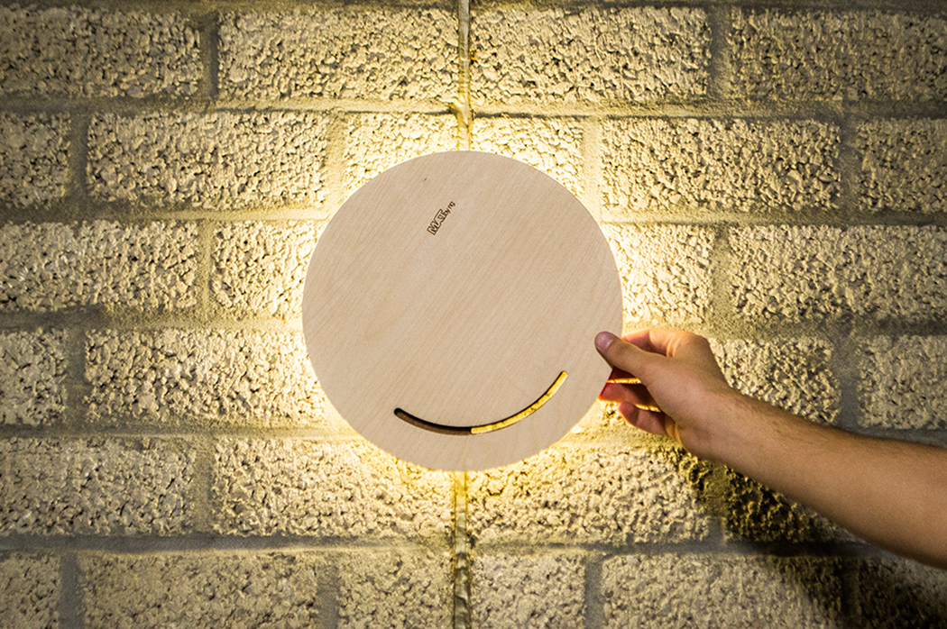 interactive-modern-matlamp-to-rotate-3