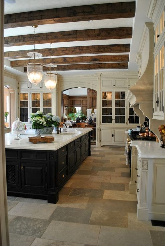 inviting-kitchen-designs-with-exposed-wooden-beams-10