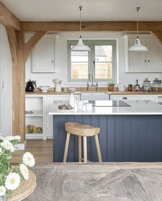 inviting-kitchen-designs-with-exposed-wooden-beams-7