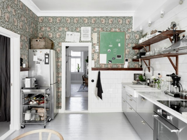 moody-floral-scandinavian-kitchen-with-copper-accessories-5