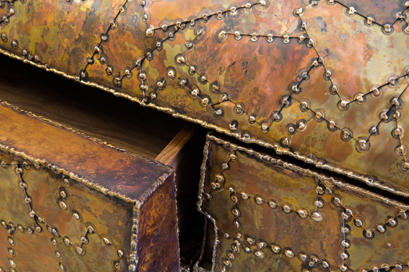 carapace-furniture-collection-with-hard-metal-exterior-2