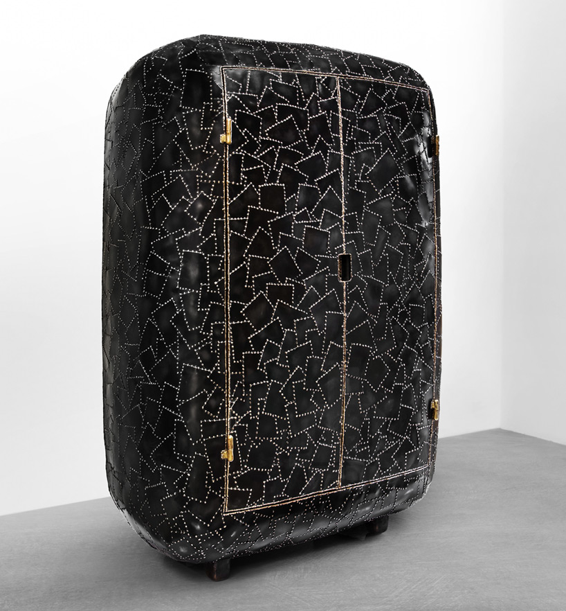 carapace-furniture-collection-with-hard-metal-exterior-8