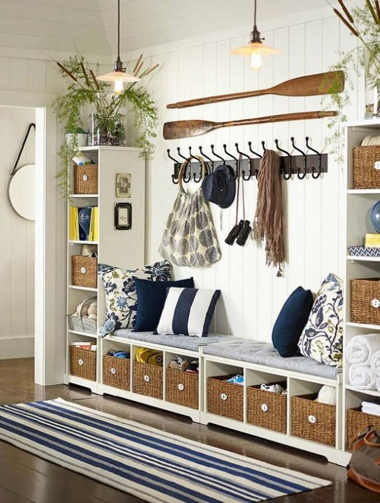 clever-examples-to-organize-your-entryway-easily-13-554x734