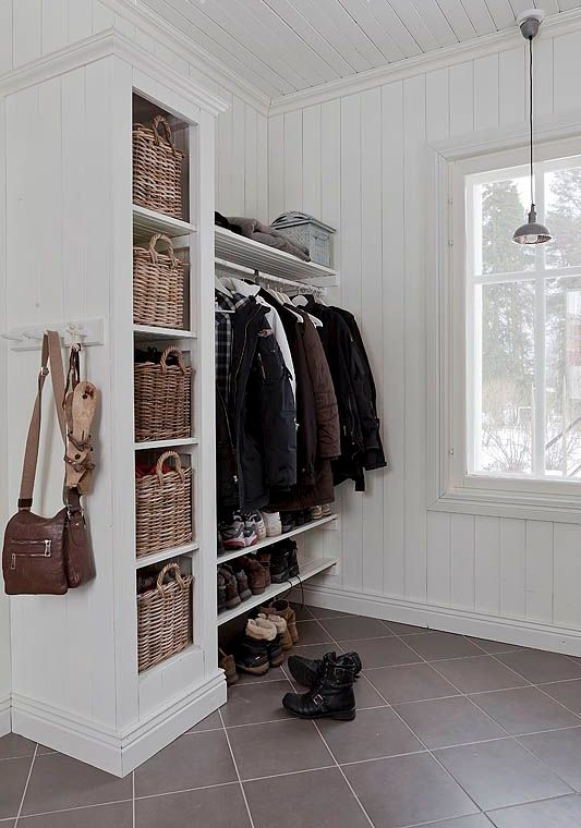 clever-examples-to-organize-your-entryway-easily-22