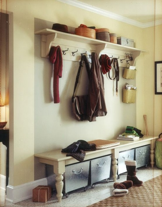 clever-examples-to-organize-your-entryway-easily-26-554x705