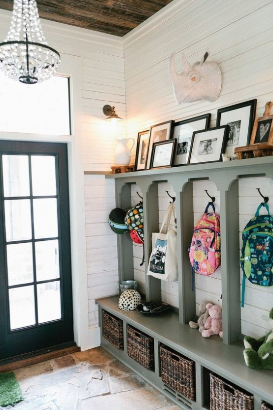 clever-examples-to-organize-your-entryway-easily-8-554x831