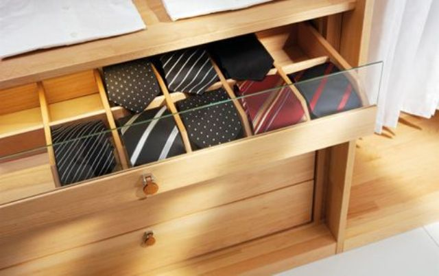 cool-ways-to-organize-men-accessories-at-home-11