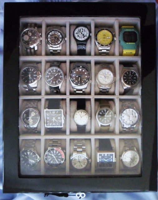 cool-ways-to-organize-men-accessories-at-home-17