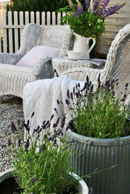 cozy-wicker-touches-for-your-home-decor-21