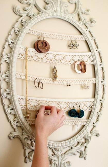 how-to-organize-your-jewelry-in-a-comfy-way-ideas-19