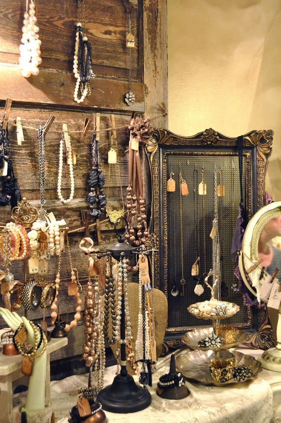 how-to-organize-your-jewelry-in-a-comfy-way-ideas-37