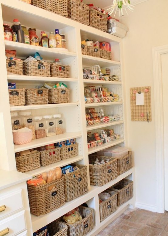 how-to-organize-your-pantry-easy-and-smart-ideas-19-554x775