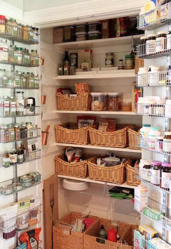 how-to-organize-your-pantry-easy-and-smart-ideas-27-554x808