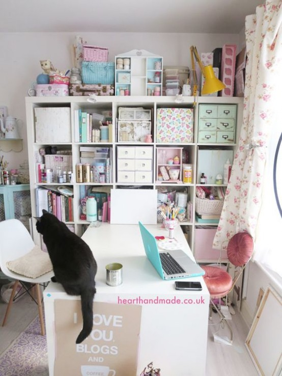 ideas-to-organize-your-craft-room-in-the-best-way-39-554x739