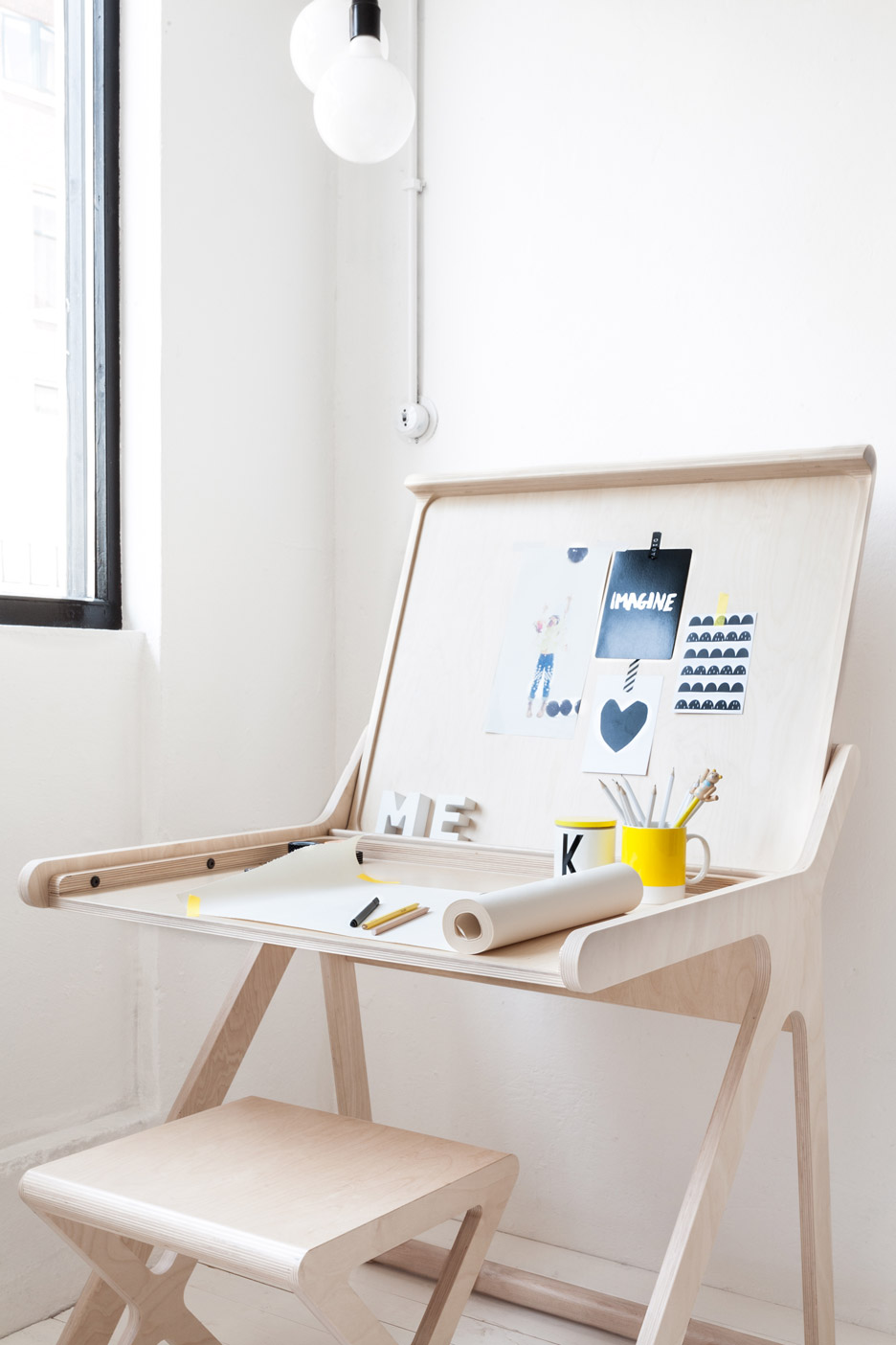 k-shaped-kids-desk-with-a-lid-and-a-second-surface-6
