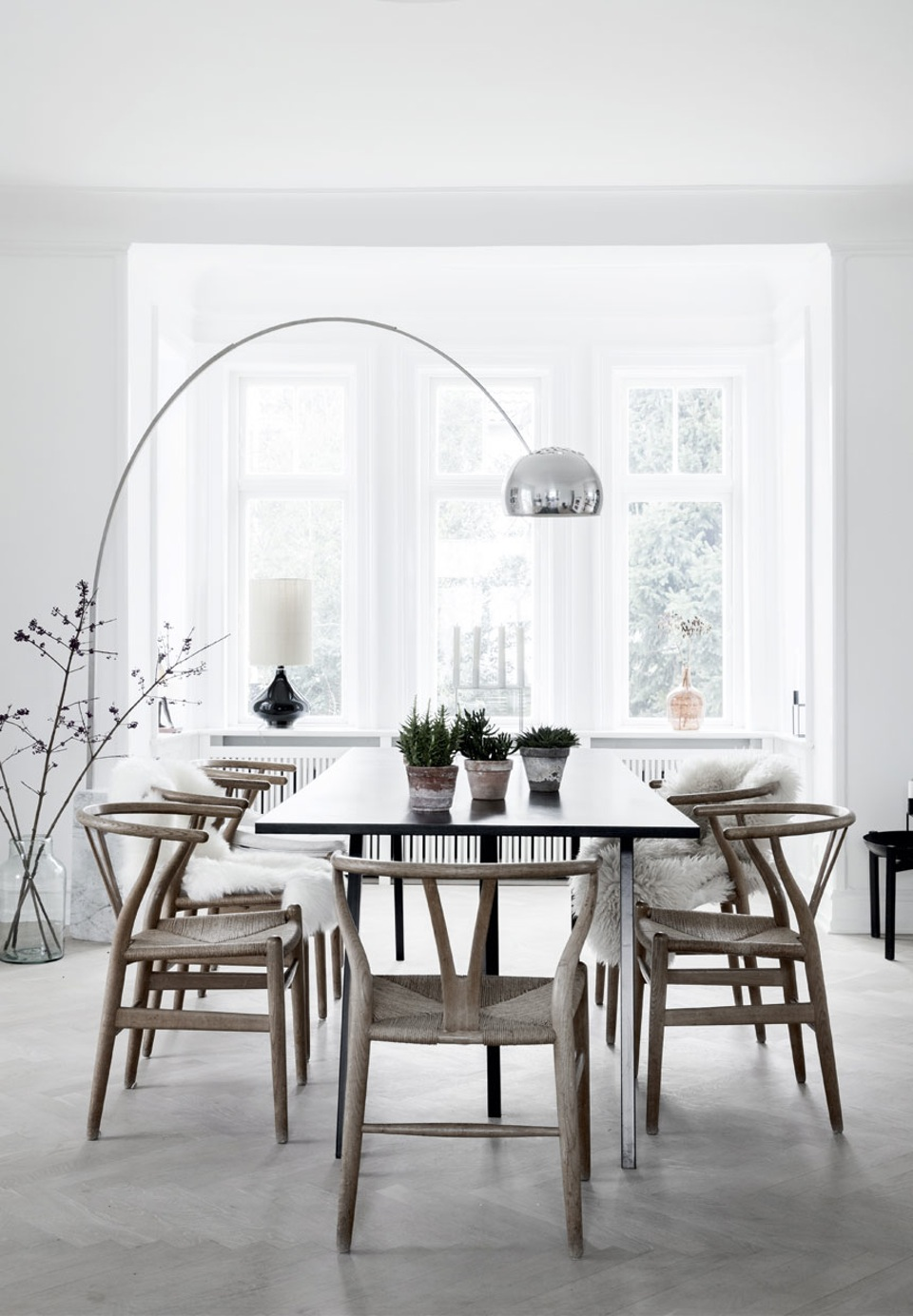 peaceful-and-lovely-scandinavian-style-villa-1