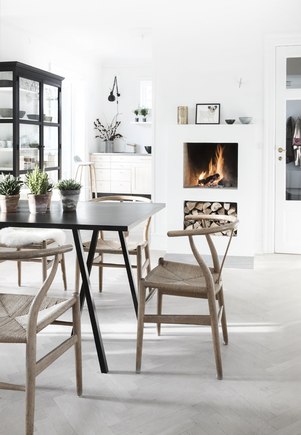 peaceful-and-lovely-scandinavian-style-villa-2