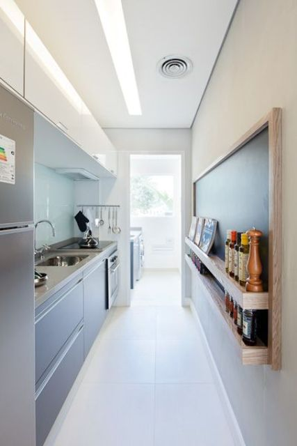 stylish-and-functional-narrow-kitchen-design-ideas-22