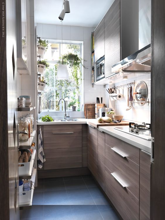 stylish-and-functional-narrow-kitchen-design-ideas-24