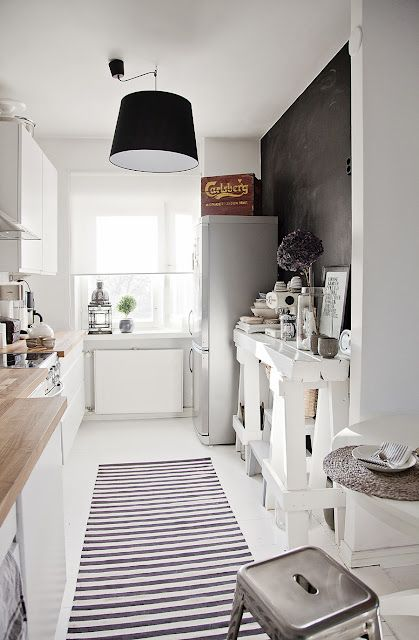stylish-and-functional-narrow-kitchen-design-ideas-29