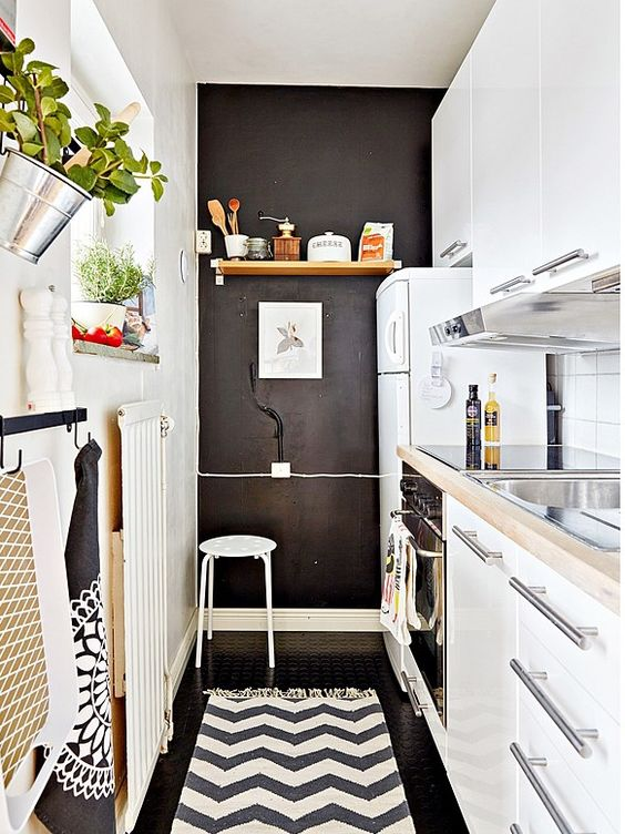 stylish-and-functional-narrow-kitchen-design-ideas-30
