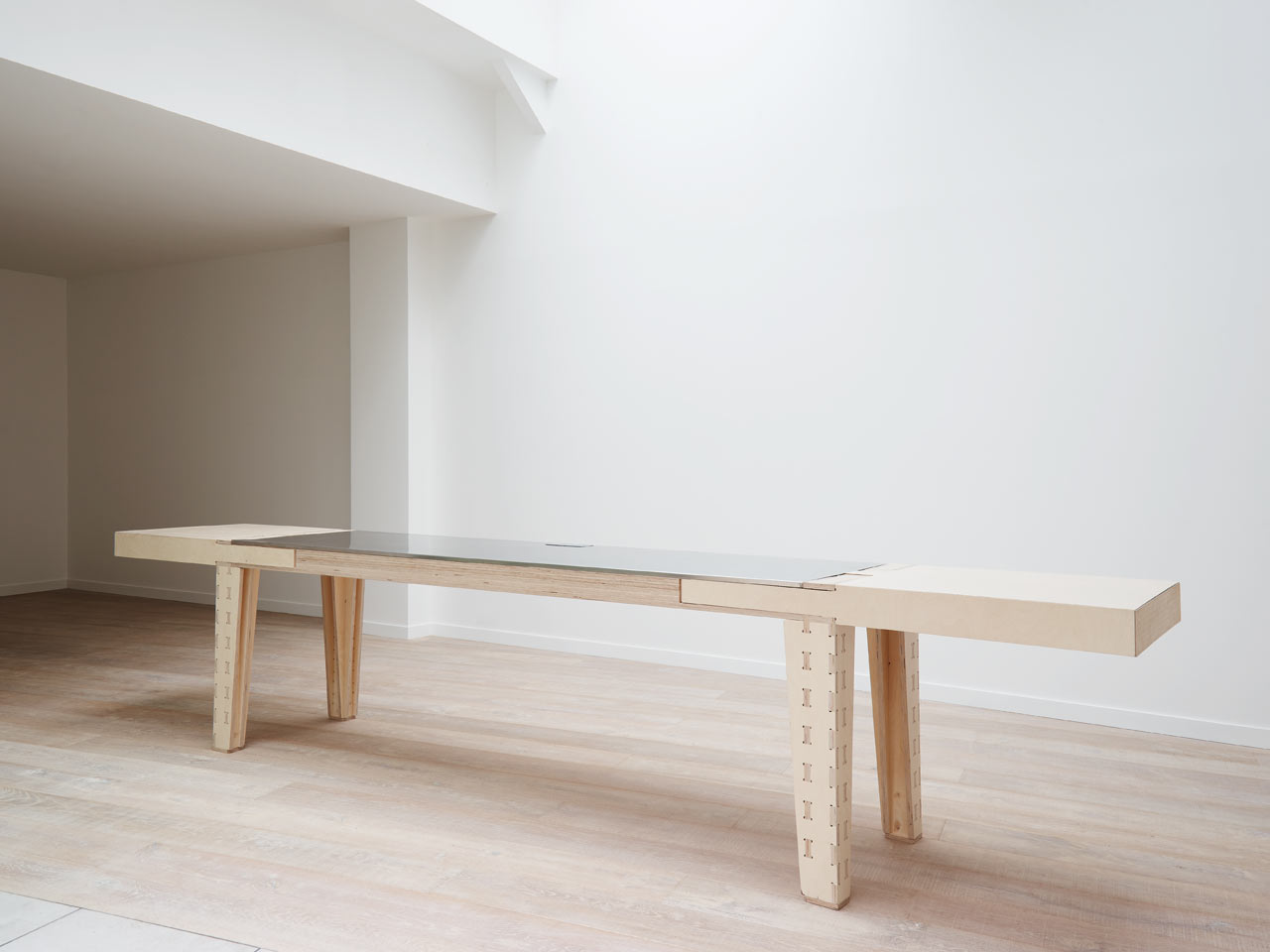 work-and-turn-multipurpose-table-with-a-reversible-top-1
