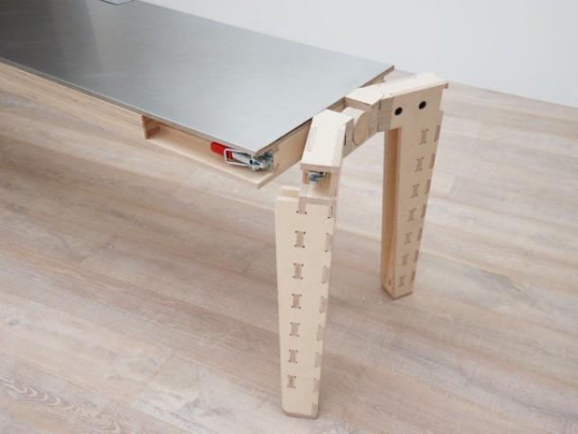 work-and-turn-multipurpose-table-with-a-reversible-top-2